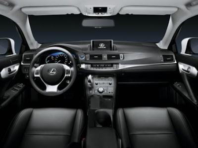 2011 Lexus CT 200h attitude and driving 4
