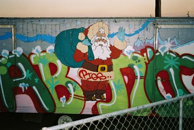 2011 Christmas Graffiti Art Gallery Designs 5