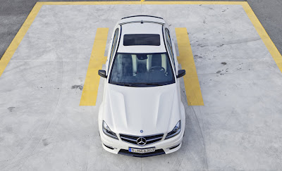 mercedes-benz-c63-amg-white-up
