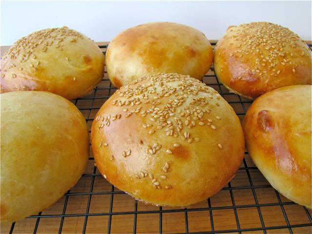 Susi's Kochen Und Backen Adventures: Light Brioche Burger Buns