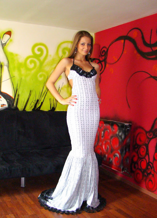Rochie din dantela alb cu gri elastica-vanduta