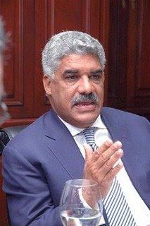 Miguel Vargas denuncia Gobierno pretende endeudar al país.