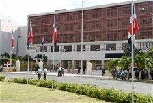 Comisión de Presupuesto del Congreso rechaza gravar GLP para aumento a médicos