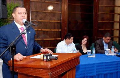 Legisladores Apoyan a Guido Gomez Mazara
