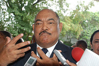 Alburquerque estaría bloqueando a Miguel Vargas dentro del PRD
