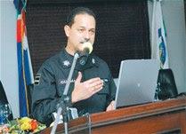 """Jefe PN advierte """"cero tolerancia"""" con los miembros que delinquen"""