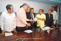 Vargas Maldonado, primero en inscribir candidatura en internas del PRD