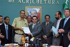 Agricultura asegura que no ha dado en este año nuevo permiso de importación