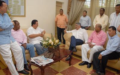 Miguel Vargas exhorta a LF y al PLD a respaldar inclusión 4% en la nueva Constitución
