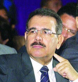 Desvincula a Danilo Medina de inasistencia de legisladores