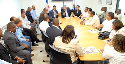 Vargas impulsará concertación nacional en favor del aire, aguas y suelos