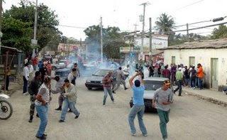 Santiago, Bonao, San Juan y Barahona se movilizan por servicios públicos