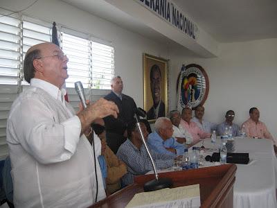 Mejía llevará conflicto del PRD ante Junta Eelctoral