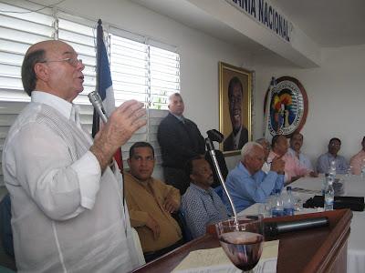 Hipólito Mejía llama perredeístas apoyar acto proclamación Miguel Vargas