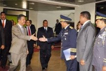 Presidente Fernández llegó a las 5:00 de esta tarde desde Libia