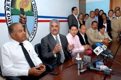 Miguel Vargas ve conveniente acuerdo con FMI