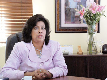 Cristina Lizardo exhorta mujeres  tener prevención con cáncer de mama