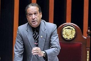 Presidente Senado dice existe posibilidad de sancionar  diputados  votaron  en contra 4%