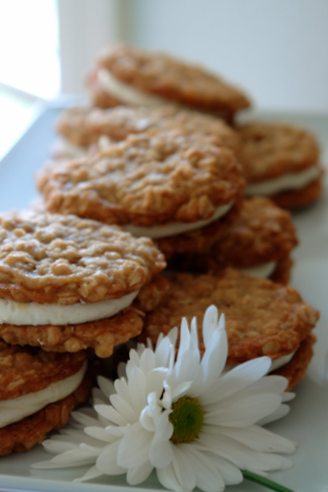 K Bakes: Oatmeal Whoopie Pie with a twist of lemon please?