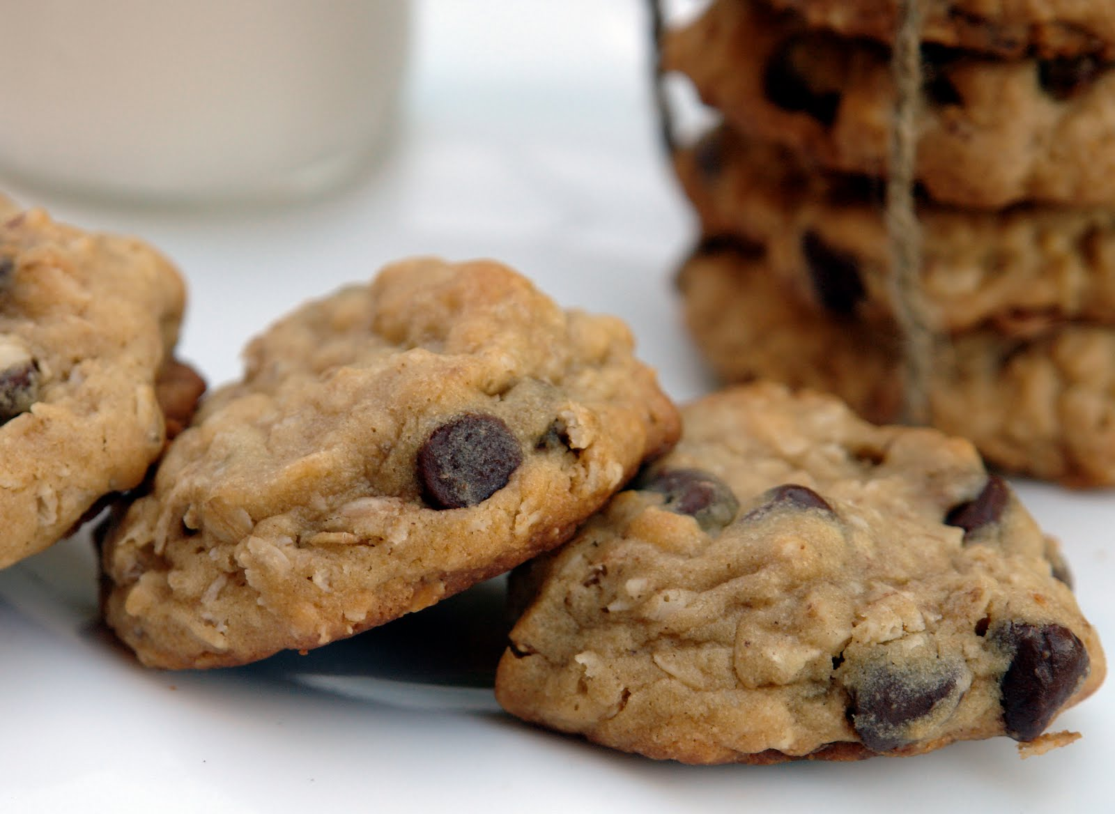 K Bakes: Oatmeal Chocolate Chip Cookies