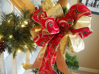 i posted here earlier about decorating your staircase i have lots of these large bows that i use for the staircase - Large Christmas Bows