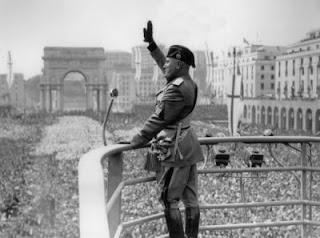 Sul+Romanzo_Mussolini.jpg