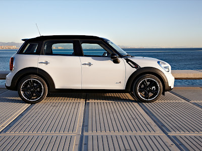 2011 Mini Countryman Side View