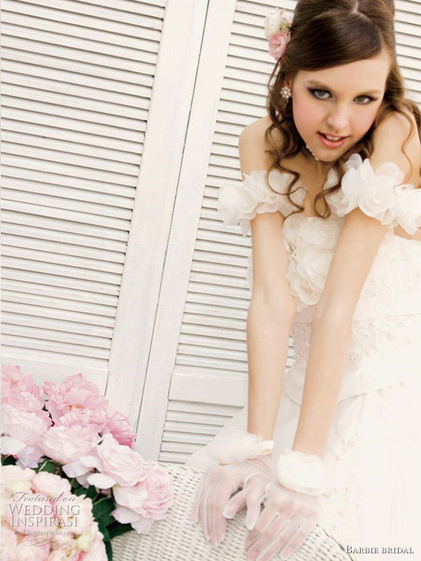 Coloriage Barbie Mousquetaire A Imprimer AZ Coloriage - Coloriage Barbie Mousquetaire
