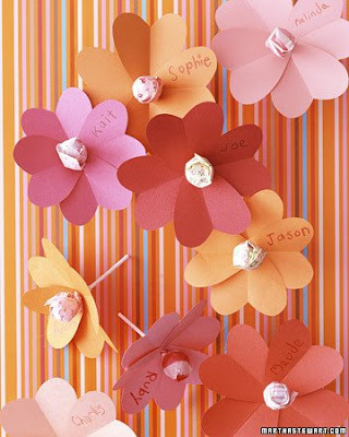 Martha Stewart has some fun Valentine's Day projects for kids.