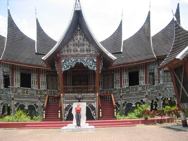 Ar Shasya Senibina Rumah Minangkabau