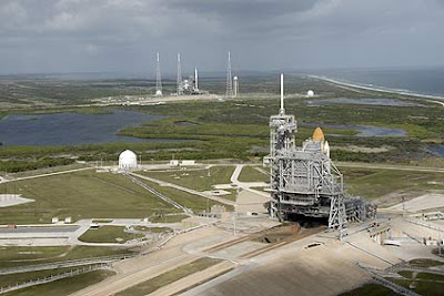 Atlantis and Ares on their launch pads