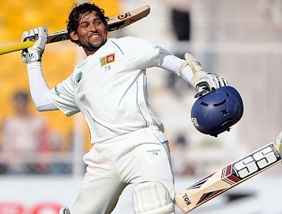 Tillakaratne Dilshan celebrates his 10th Test century