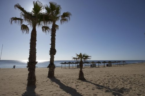 Inmobiliaria puertosal blog los mejores pisos de playa en la mata sur de alicante - Pisos de bancos en la playa ...