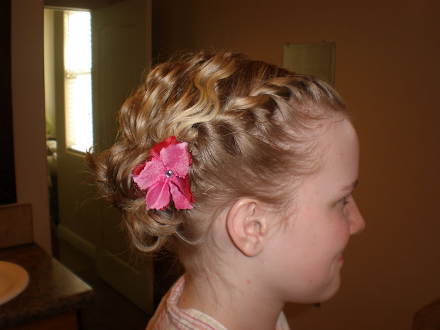 girl hairdos & ideas updo