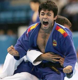 Kenji Uematsu, en un moment de l'Olimpíada d'Atenes 2004