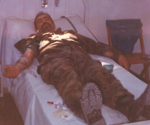 Brigada Lozano donando sangre junto a su Sección