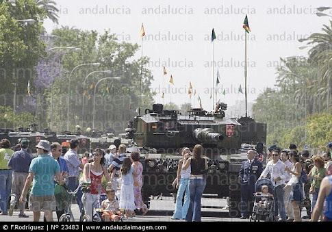 Día de las Fuerzas Armadas en Sevilla