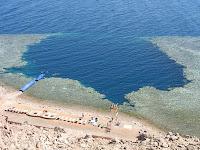 Vista aerea del Blue hole de Dahab, Egipto
