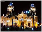 Catedral en La Plaza de Armas, Lima