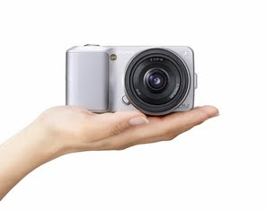 photography news, photo news, photography-news.com, diana topan, Sony NEX-3, Sony NEX-5, world's smallest digital camera