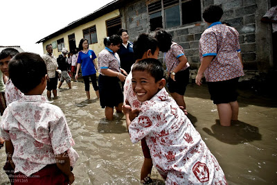 photography news, photography-news.com, Marunda village, Jakarta, tidal zone, mark tipple, diana topan
