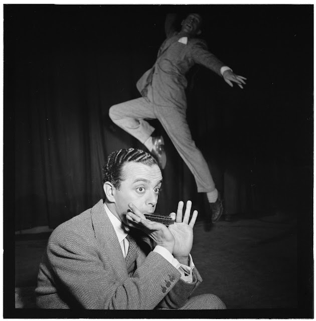 Portrait of Larry Adler and Paul Draper, City Center, New York, N.Y., ca. Jan. 1947. William P. Gottlieb Collection (Library of Congress).