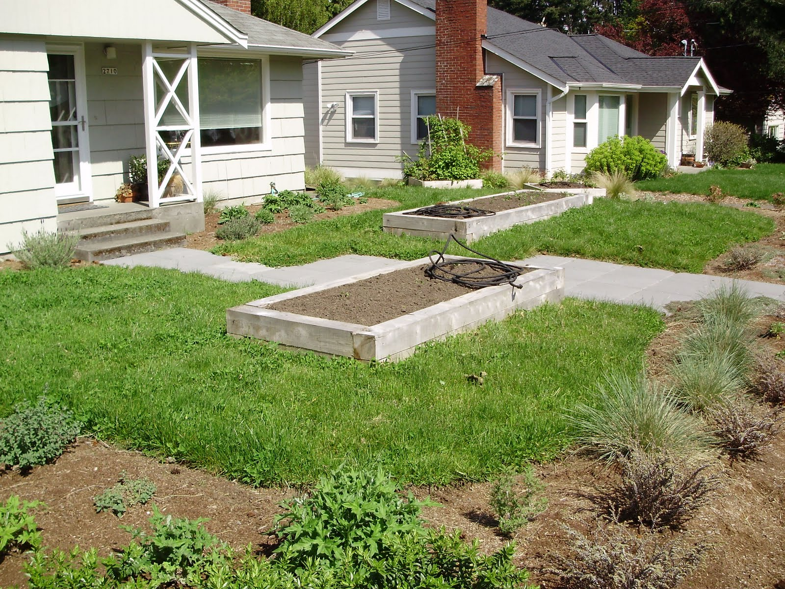 Seattle landscaping finest seattle landscaping lawn for Landscaping rocks seattle