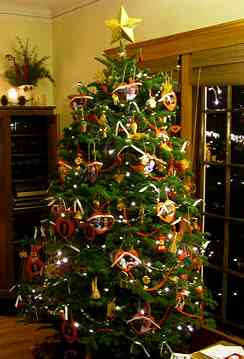 Prelit Artificial Christmas Tree