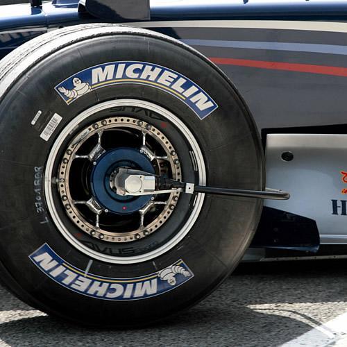 Cooper y Michelin analizan si proveeran neumáticos a la F1 para el 2011