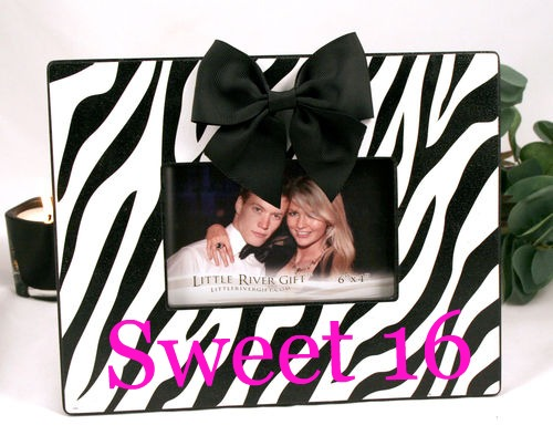 The Polka Dot Poodle: Polka Dot/Zebra Picture Frames $22