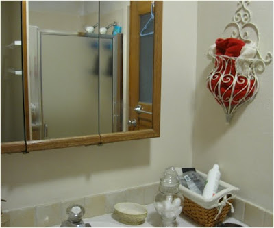 Thrifty Parsonage Living Bathroom Makeover Revealed
