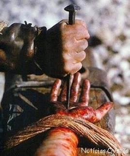 Prego usado para crucificar Cristo pode ter sido encontrado Mao-de-cristo