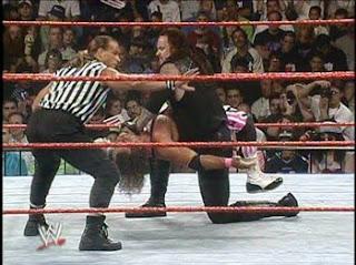 http://3.bp.blogspot.com/_dvHAcjAdvH4/STqPoIEuc6I/AAAAAAAAARg/lr5Cg0BsRRo/s320/summerslam+1997+Bret+Hart+vs+Undertaker.jpg