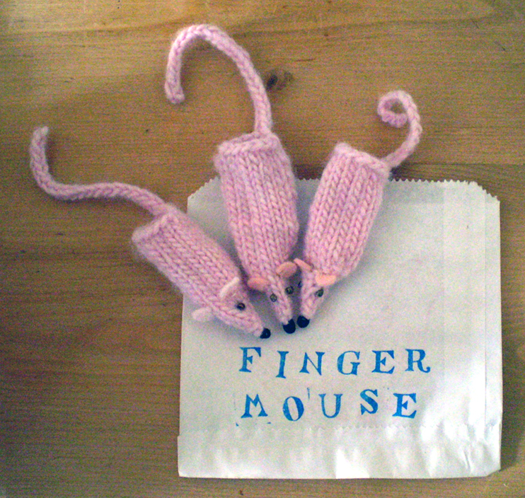 Free Pattern Sugary Pink Finger Mice Claire Garland Knitting